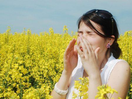 Даже если аллергия сильно мучает, не стоит заниматься самолечением