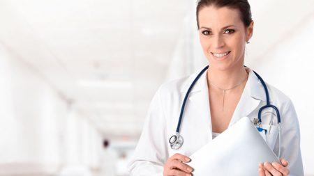 Консультация врача - первый этап в лечении заболевания